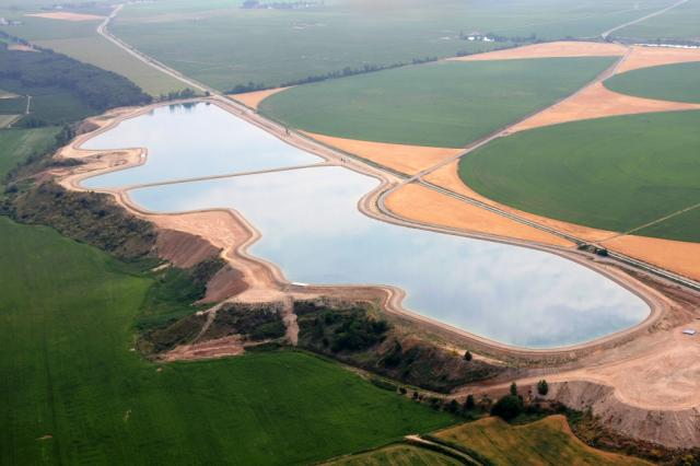 Construction of two reservoirs in Gimenells